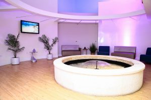 Sala de Espera en D'Mujer Health and Prevention Center